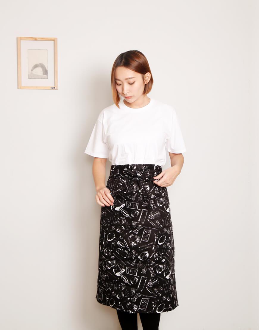 滌綸半身圍裙 單口袋 黑底白餐具圖